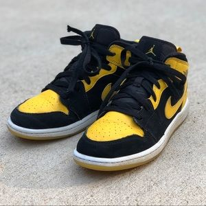 Air Jordan 1 Retro GS 'New Love' (Boys Sz 3)